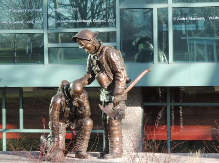 Monument aux pompiers decedes (1)