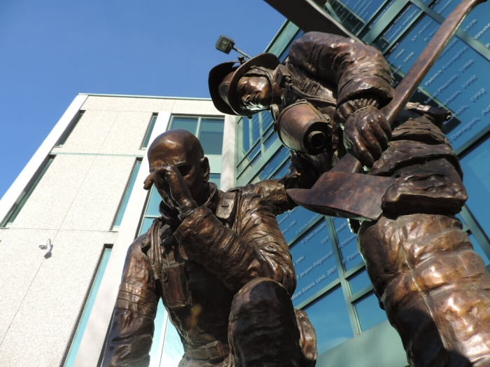 Monument aux pompiers decedes (2)