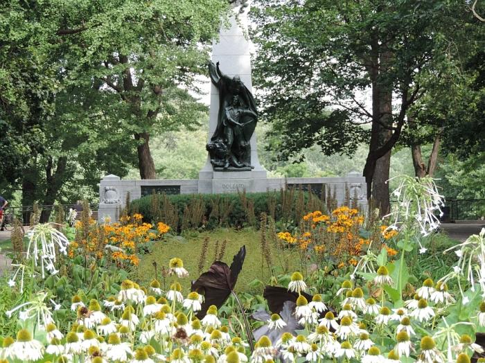Monument Dollard des Ormeaux (1)
