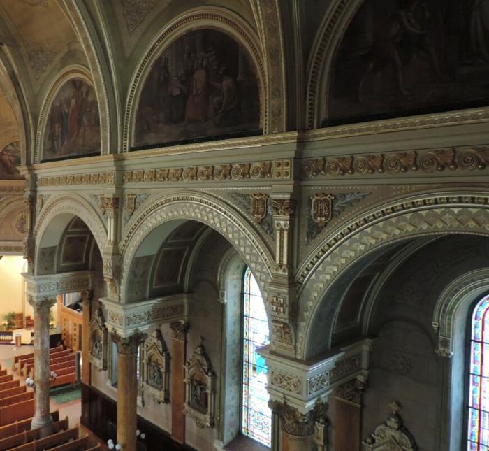 13 Eglise Tres-Saint-Nom-de-Jesus (2)
