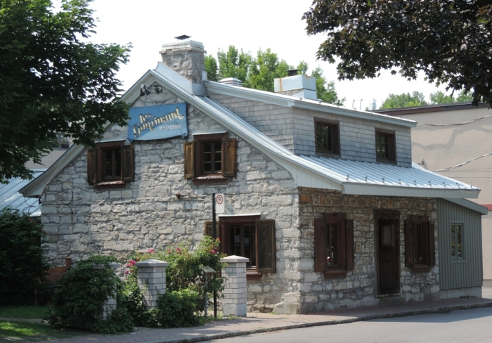 03 coeur du village de Pointe Claire (1)