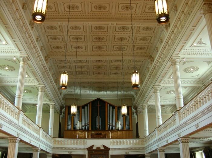 L'orgue cachait les fenêtres ! photo: Carle Bernier-Genest