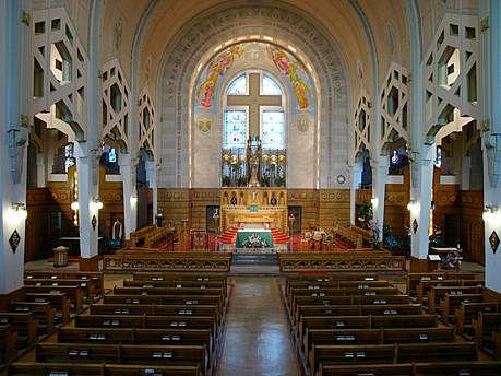 Avant la transformation. Photo: © Conseil du patrimoine religieux du Québec, Inventaire des lieux de culte du Québec (www.lieuxdeculte.qc.ca)