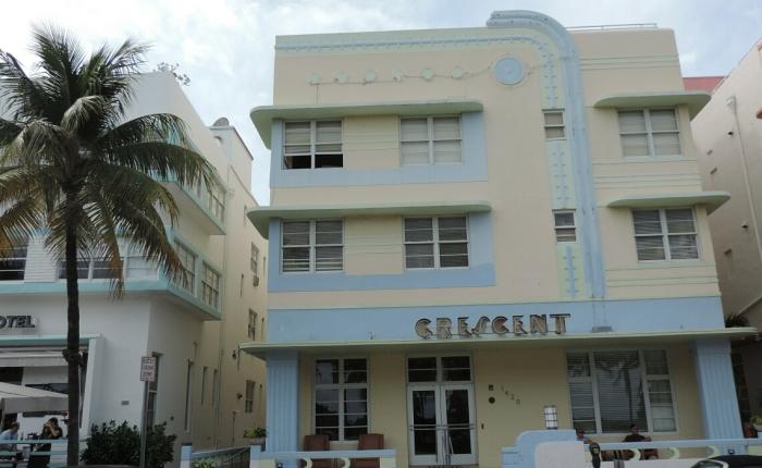 08 Crescent Hotel