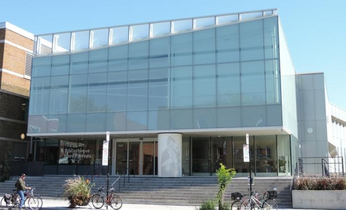 01 Bibliothèque Marc Favreau (2)