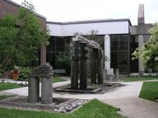 fontaine (9) Mairie St-Leonard