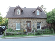 08 petites maisons du Vieux Sainte-Anne-de-Bellevue (4)