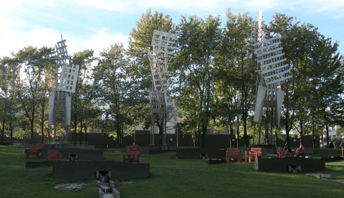 01-place-emilie-gamelin-3
